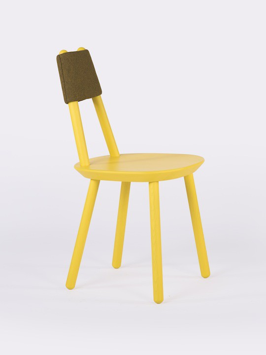 Naive_chair_yellow_face_view