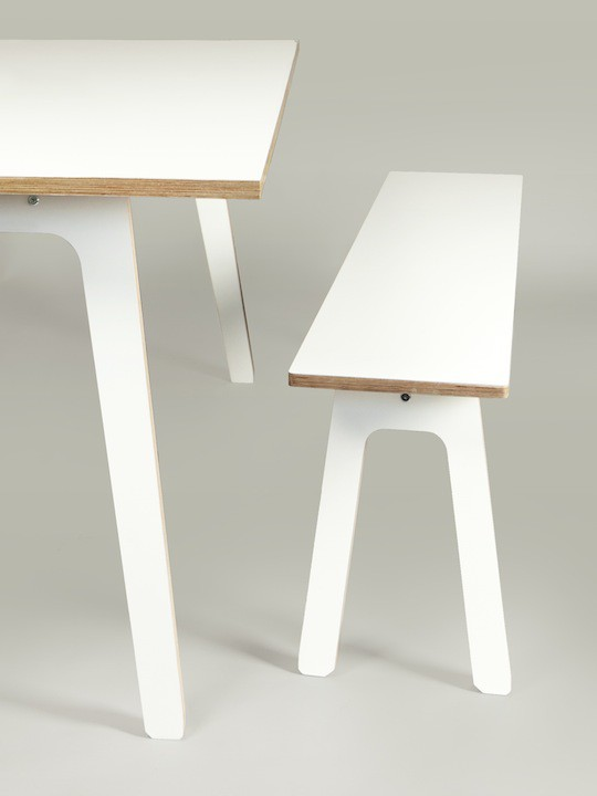 ByALEX_K-S_Table_gros_plan