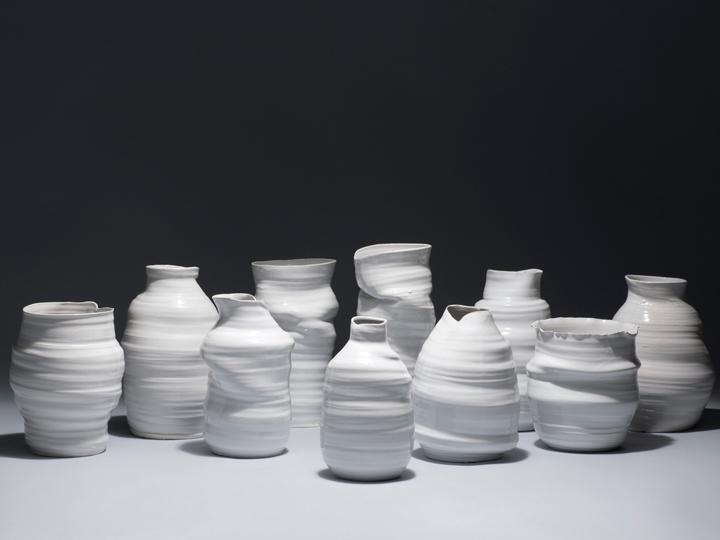 vases_300_edition_limitee_ceramique_design_blanche_apparatu