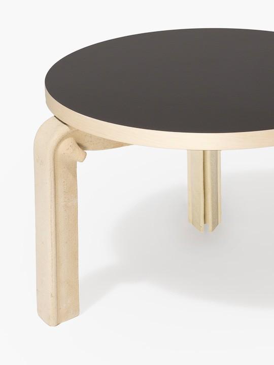 Apparatu_Alva_low_table_stoneware_close_up_LD